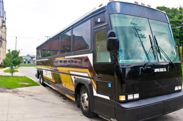 1988 mci 102c3 school bus conversion resources rh skoolie net 1986 MCI 102A3 Bus MCI 102DL3