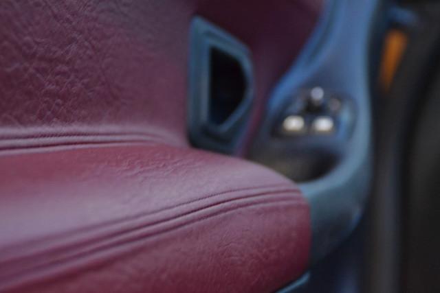 [ SE CAMBIA ] Interior de piel - color rojo contra negro DSC_1900