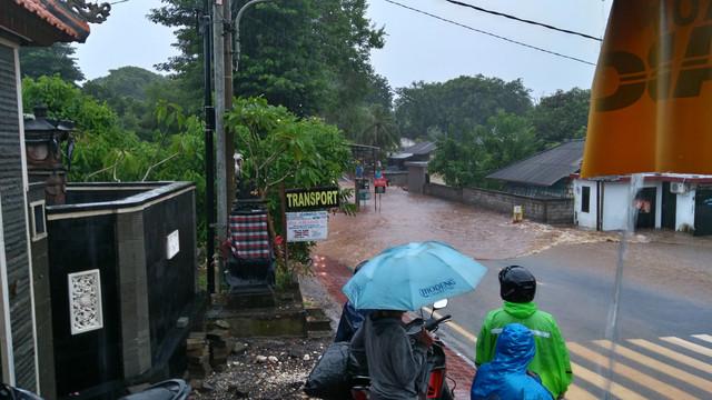 Путешествие по Бали на байке в период дождей