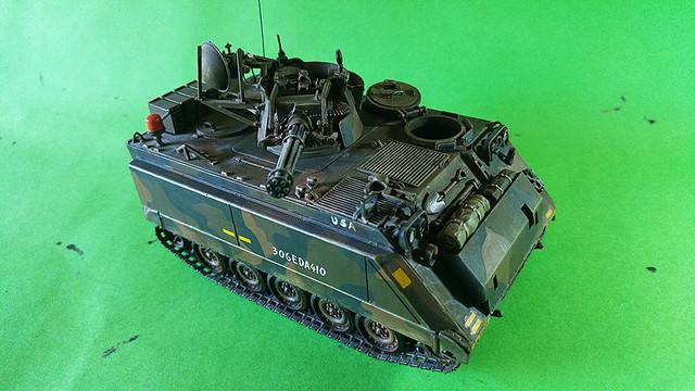 M-113 VULCAN  1/35 Italeri M113_e