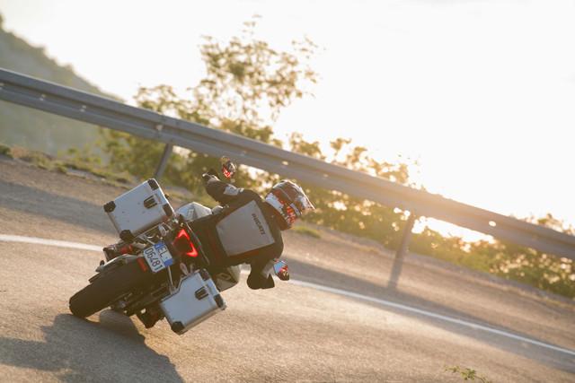 2019-Ducati-Multistrada-1260-Enduro-49