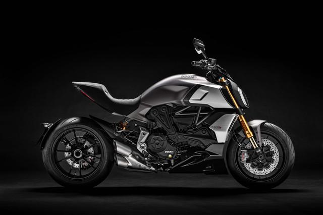 2019-Ducati-Diavel-1260-S-03