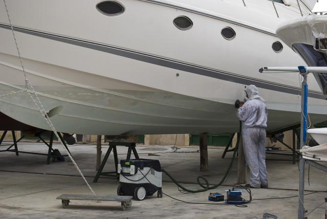 Boat Cleaning i Stock 000006202242 Medium
