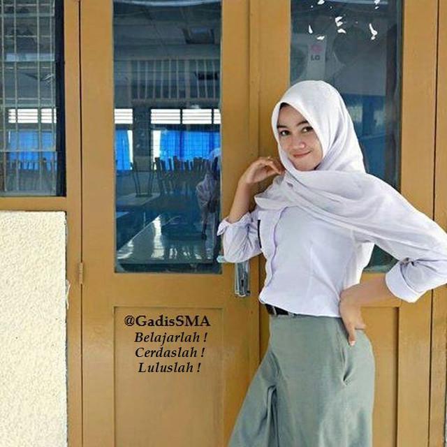 http://preview.ibb.co/hR4gLQ/gadis_sma_berjilbab_putih.jpg