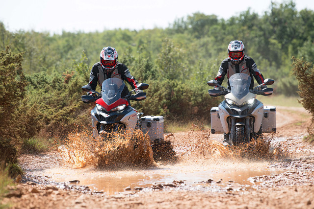 2019-Ducati-Multistrada-1260-Enduro-64