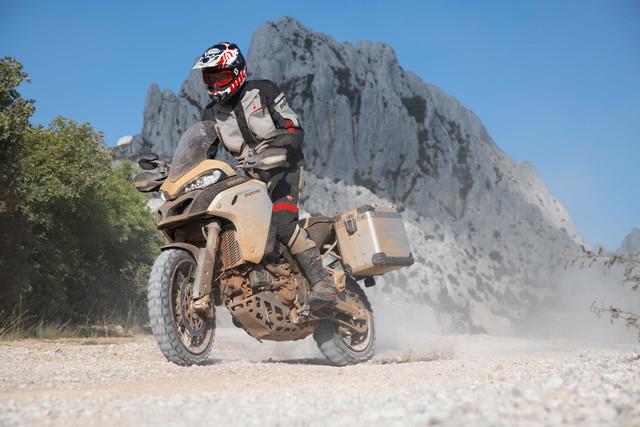 2019-Ducati-Multistrada-1260-Enduro-70