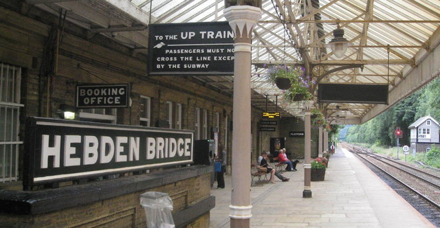 hebden_bridge_station_cafe_eat_drink_caf_s_delis_large