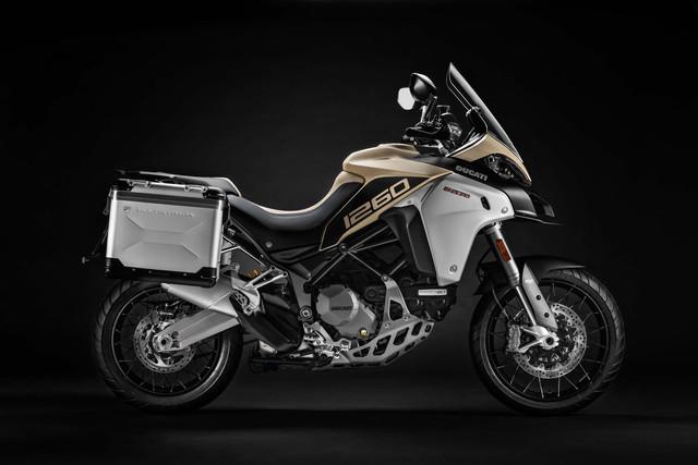 2019-Ducati-Multistrada-1260-Enduro-05