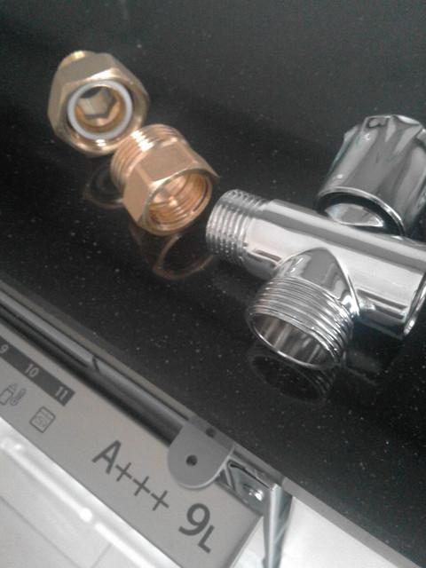 Lavastoviglie collego all 39 acqua calda for Radiatori in ghisa ferroli