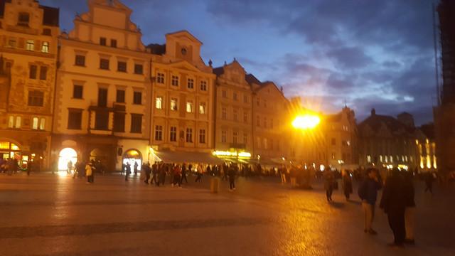 ايام برآغ التشيك مدينة اوربية 20171006_185654.jpg
