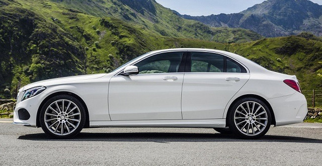 2015_Mercedes_Benz_C_Class_Review_dimensions