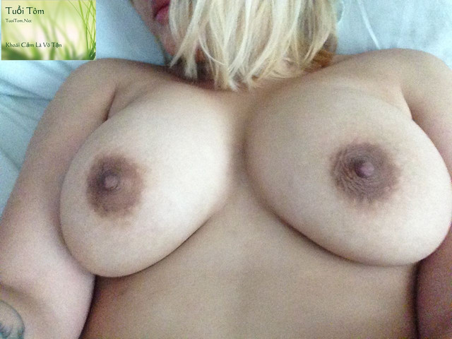 Vietnamese Canada Nguyen Laura Shows Pink Pussy 7