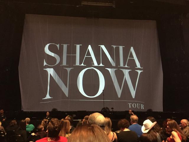 shania nowtour edmonton051018 5