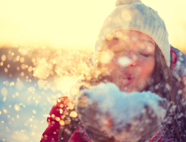 The 5 Things You Must Absolutely Have With You While Travelling by Bus in Winter