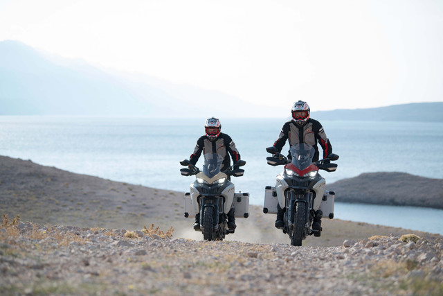 2019-Ducati-Multistrada-1260-Enduro-57