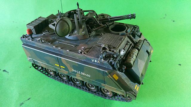 M-113 VULCAN  1/35 Italeri M113_c