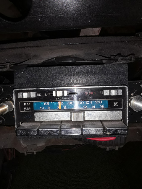The currently installed AM/FM radio I want to replace.