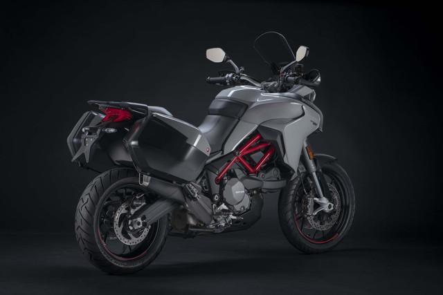 2019-Ducati-Multistrada-950-S-10