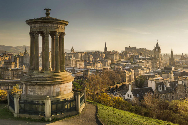 edinburgh_skyline_calton_hill