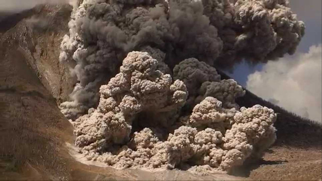 Sinabung pyroclastic flows 000254400