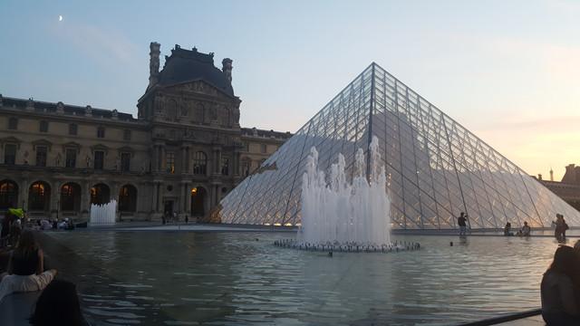 سفرتي باريس والريف الفرنسي مدعم 20170828_204435.jpg