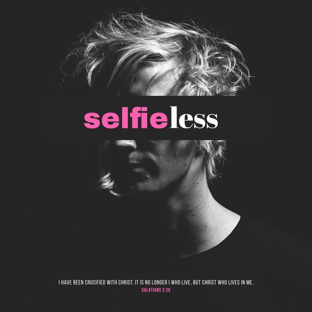 Selfie-less-social