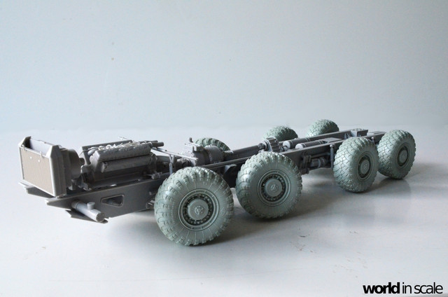 MAZ-543 + KS-6571 - 1/35 by Trumpeter, Panzershop  DSC_2842