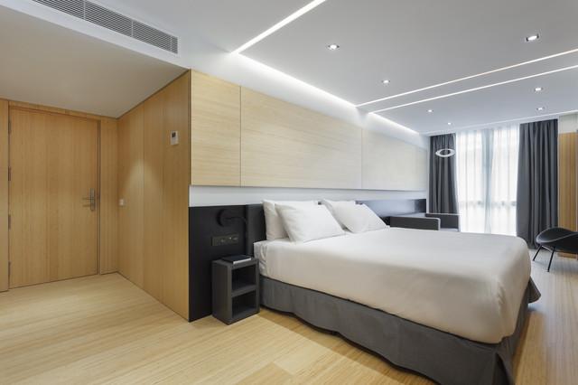 Roomleader_Barcelona_Ronda_Universidad_18_Luc_a_Pons_1500px_17