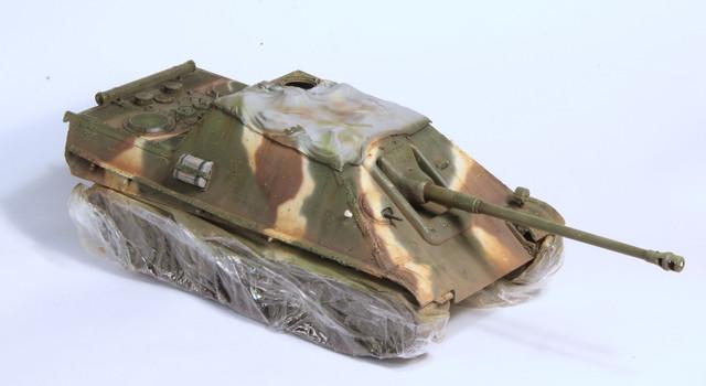Jagdpanther Tamiya (char fini) 1/35 - Page 2 IMG_3026