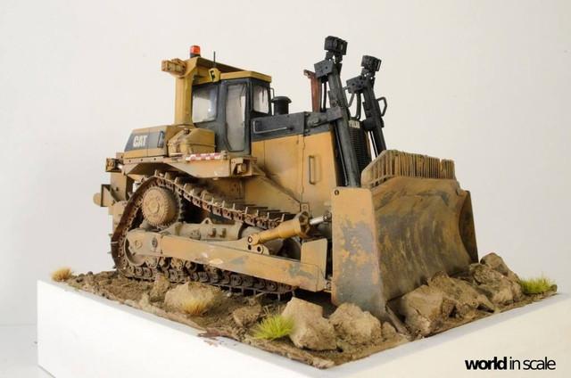"Caterpillar D9 ""Bulldozer"" - 1:35, based on Meng Models 26171111_964750417025807_4239357538722462077_o"