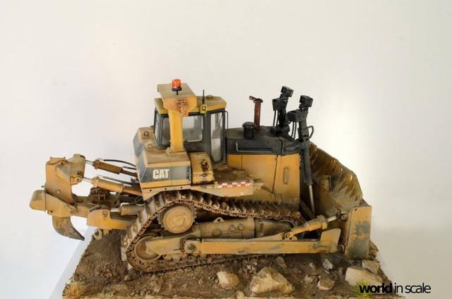 "Caterpillar D9 ""Bulldozer"" - 1:35, based on Meng Models 26172324_964750280359154_2753975797615171446_o"