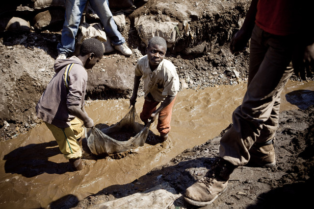 DRCONGO_MINES_CHILD_LABOR