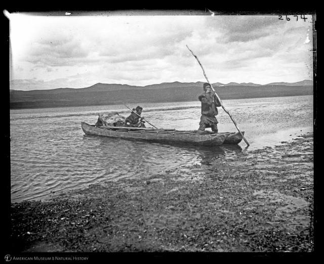Koryak_men_in_double_boat_Siberia_1900