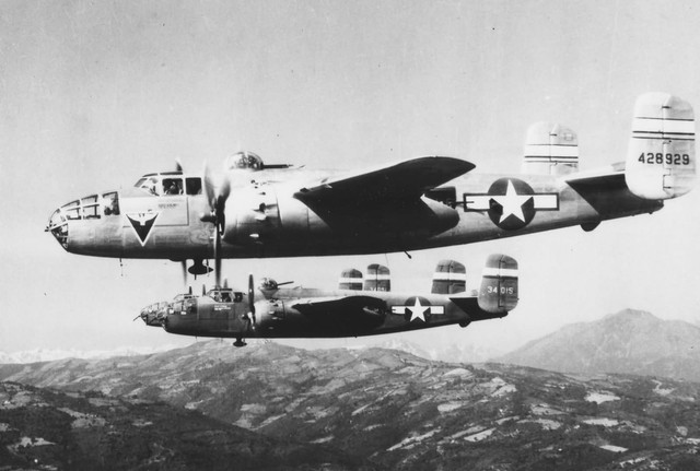 B 25 Mitchell 42 28929 43 4015 12 AF over Italy