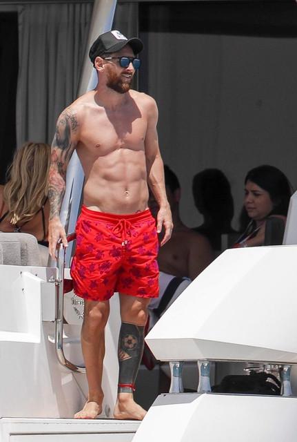 6eed073242c9 Messi, de vacaciones bajo el sol de Ibiza - Diario la Ventana