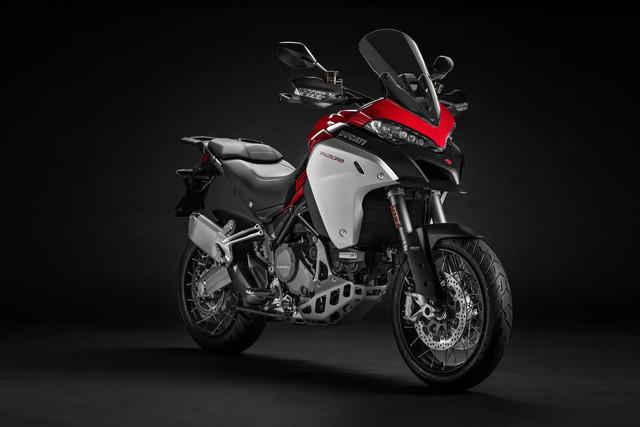 2019-Ducati-Multistrada-1260-Enduro-11
