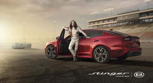 13502_Steven_Tyler_hits_the_racetrack_in_Kia_s_Super_Bowl_ad_for_the_all_new