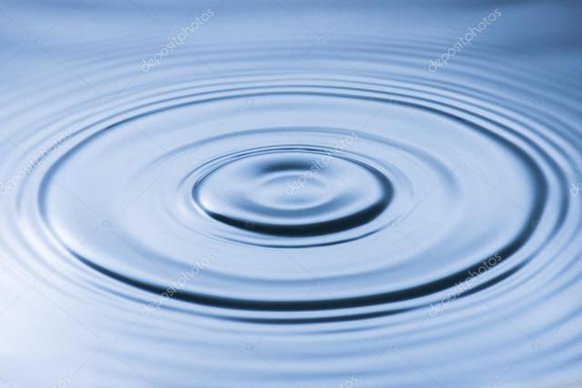 [Jeu] Racontons un film en suite d'image !  - Page 2 Depositphotos_50358295_stock_photo_water_droplet_and_water_ripple