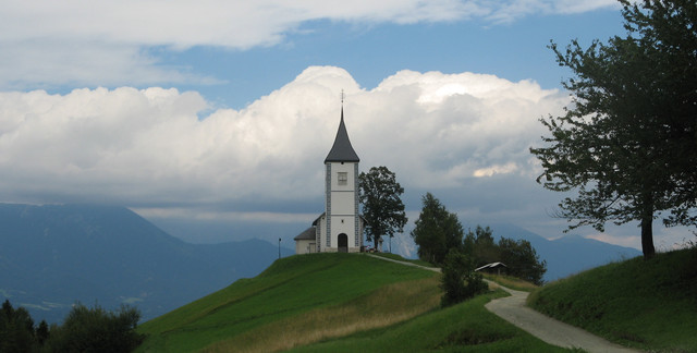 Jamnik church