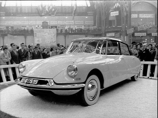 Citroen DS 19 autosalon Parijs 6 10 1955 b 2