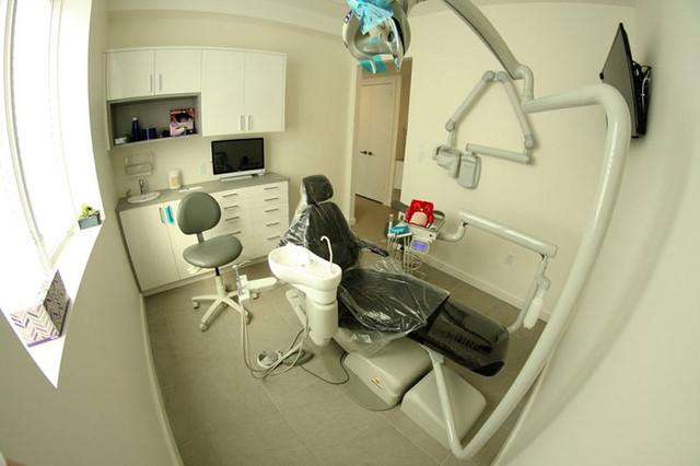 dentist-brooklyn-clinic15.jpg