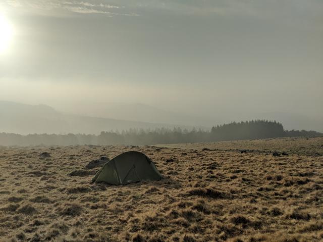 Wild_camping_moorland_britain_sunrise