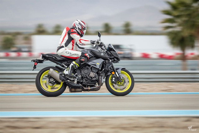 testing of the new michelin power rs yamaha mt10 fz10 forum. Black Bedroom Furniture Sets. Home Design Ideas