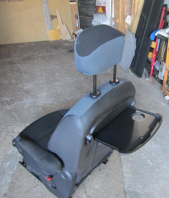 [Image: Seats_3.jpg]