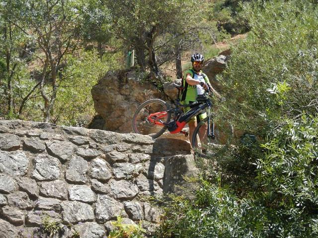 El rio Turon en el Burgo este sabado (cronica) 37233525_10205117799660301_7697408089737134080_n