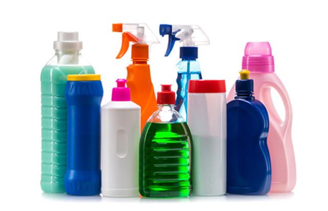 los productos de limpieza pueden producir alergias en perros