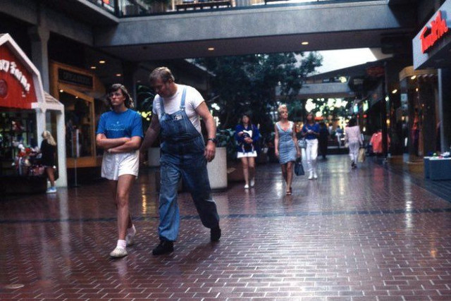 shopping_mall_1989_18