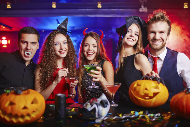 Halloween_Party_adults_i_Stock_000072537725_Medium