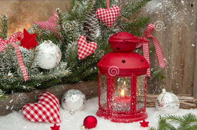 "red_lantern_candlelights_checked_heards_christmas_decoration_classic_colours_34489182_1"" border=""0"