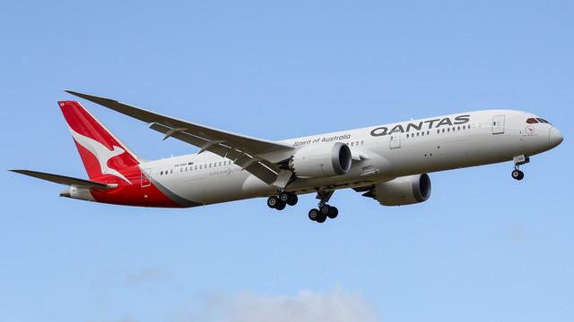 Qantas 787 9 VH ZNA Great Southern Land 071117 V1